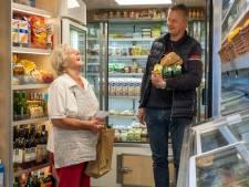 Angst voor supermarkt maakt praatje met SRV-man onbetaalbaar: 'Ik zag de eenzaamheid aan de verkoop van koekjes'