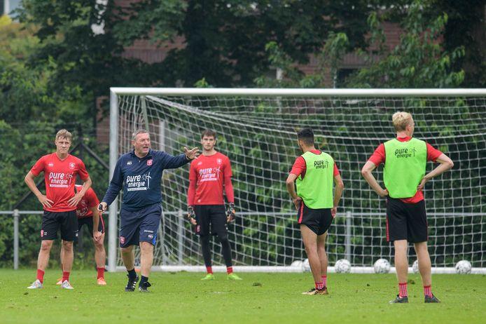 Trainer Ron Jans en zijn mannen beginnen zaterdag weer.