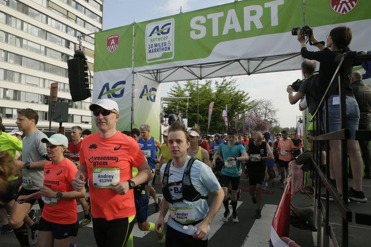 De start van de marathon vanochtend in Antwerpen.