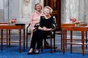 Prinses Beatrix tijdens de uitreiking van de Zilveren Anjers van het Prins Bernhard Cultuurfonds.