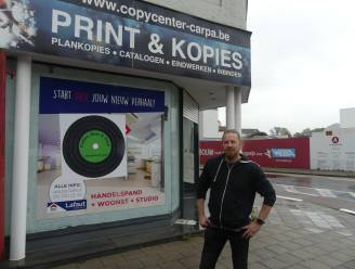 "Platenboer Steven bouwt Carpa om tot platenwinkel: ""Koffie, bier en elpees aan het station"""