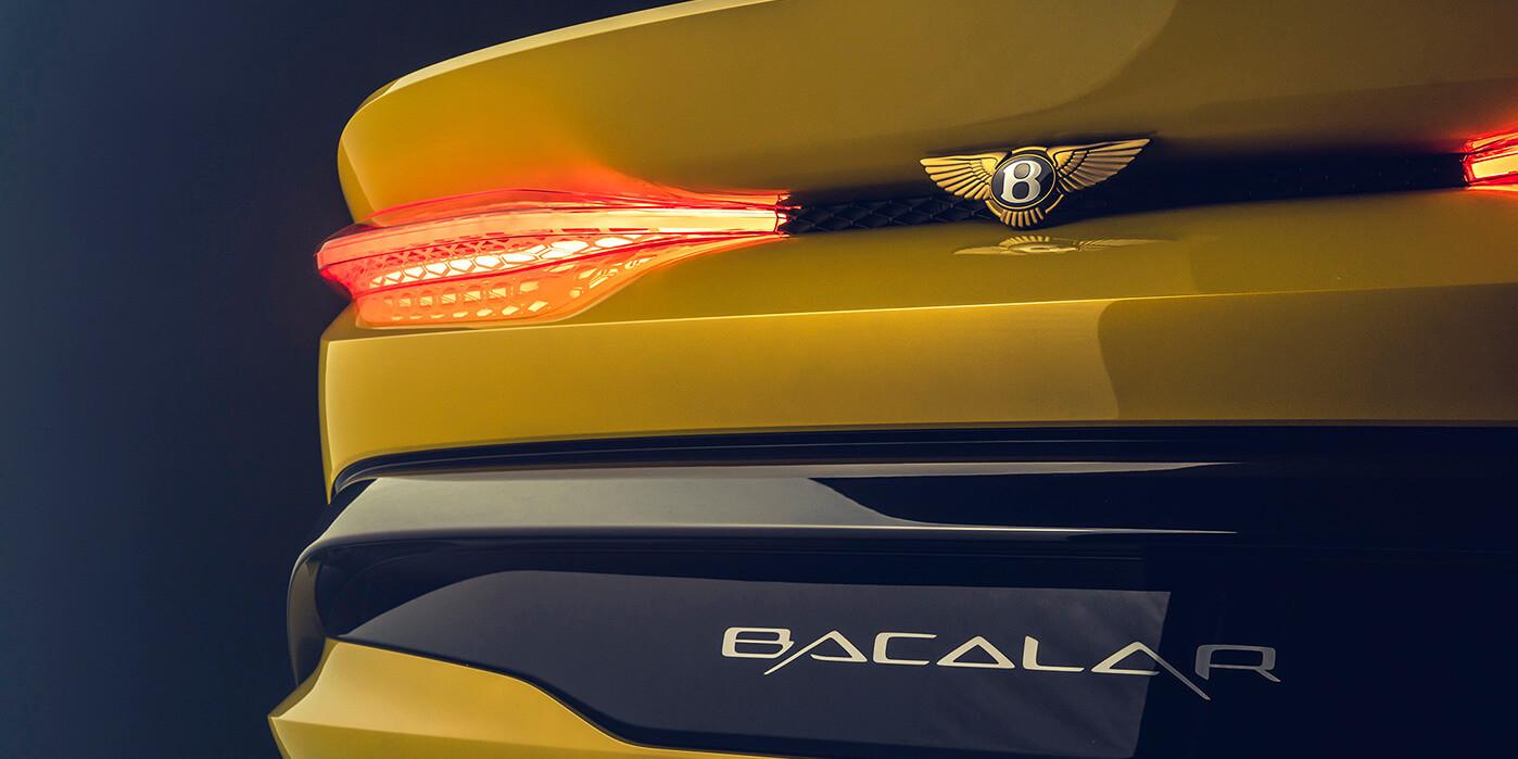 De achterkant van de Bentley Bacalar.