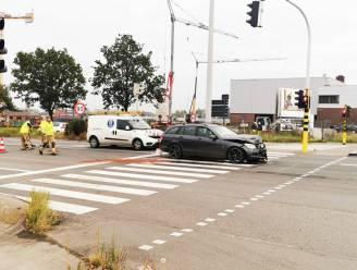 Kop-staartaanrijding aan verkeerslichten op N42
