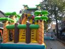 klauteren tijdens kinderboulevard in Schijndel