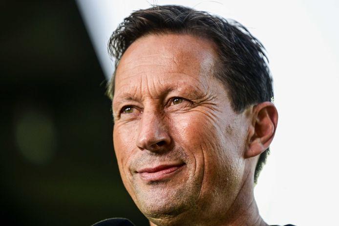 Roger Schmidt wordt gezien als eigenzinnig en doet soms menig wenkbrauw fronsen, maar bij PSV is er vertrouwen in zijn werkwijze.