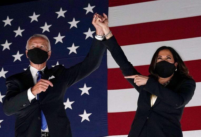 Kamala Harris en Joe Biden zien het zitten op de Democratische Conventie in Delaware,20 augustus 202 Beeld AFP