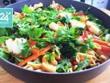 Oosterse pastasalade met garnalen