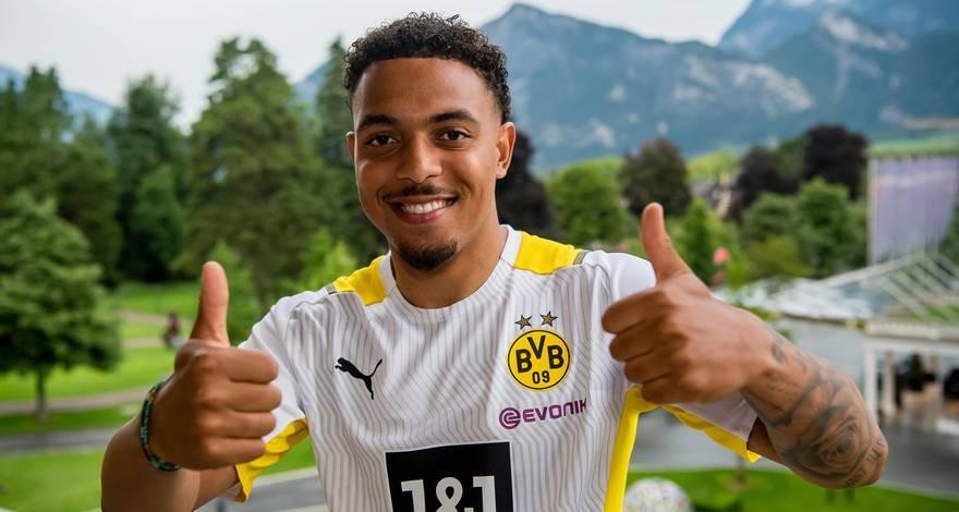 Donyell Malen is blij na zijn transfer naar Borussia Dortmund.