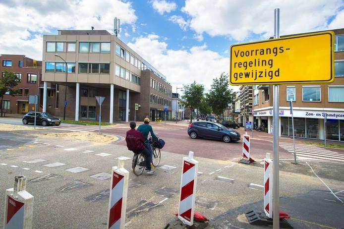 De nieuwe situatie op de kruising Kalverstraat/Hoofdstraat.