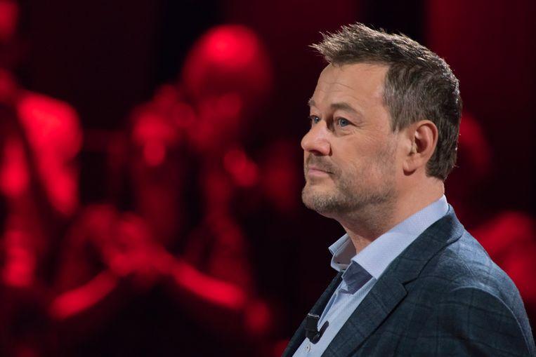 De kogel is door de kerk: Jeroen Meus gaat Bart De Pauw (foto) vervangen als presentator van 'Twee tot de Zesde Macht'. Beeld © VRT