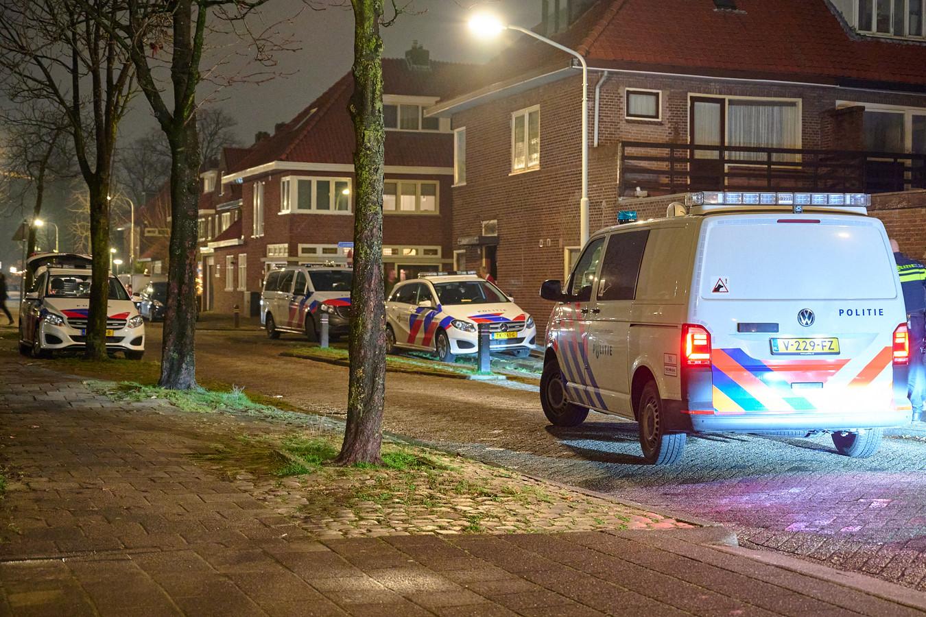 Een gewapend drietal heeft iemand beroofd bij een verkoopafspraak in Breda.