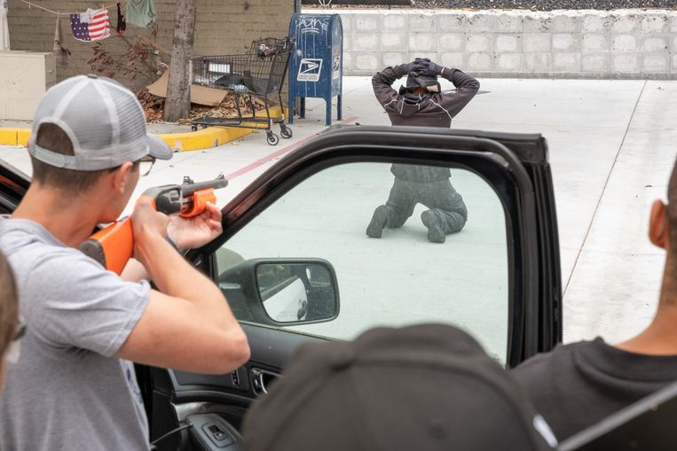 Agenten in training op de politieacademie in Los Angeles. Beeld Eline van Nes