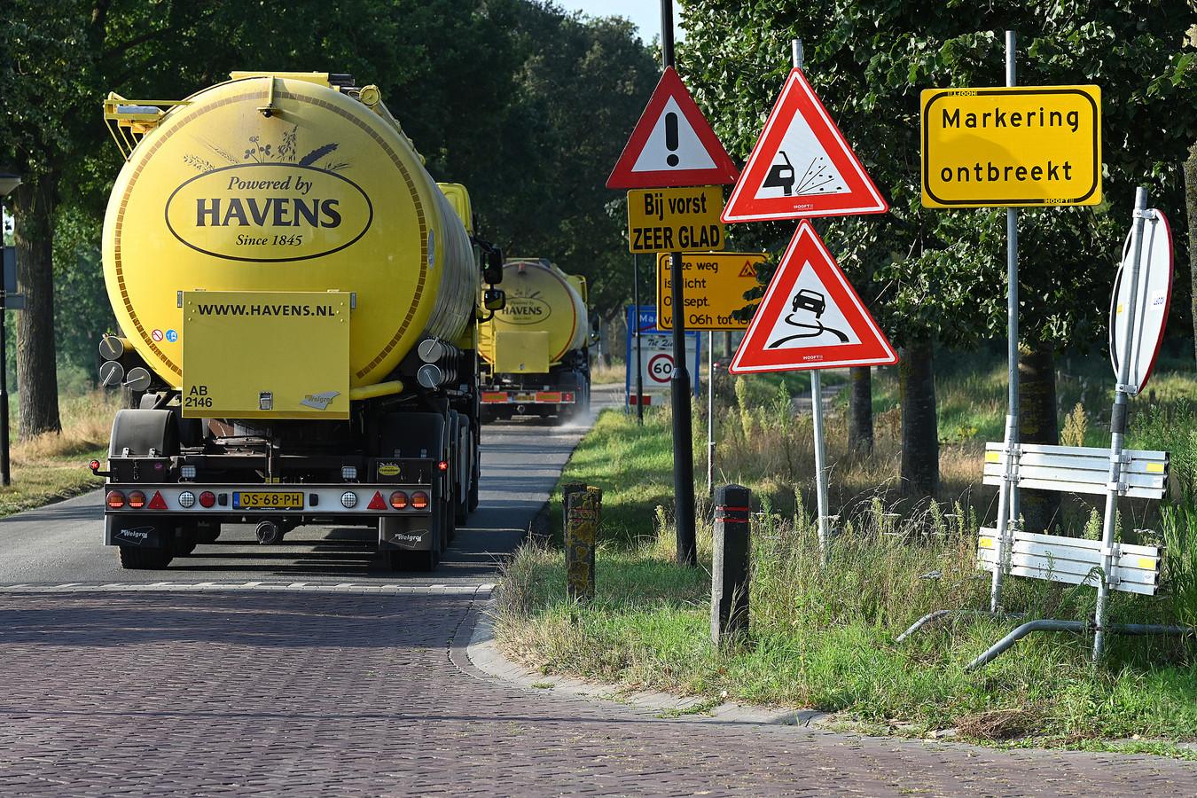 De Monseigneur Geurtsstraat (richting Venray) was altijd 80 kilometer weg. Nu wordt de weg ingericht voor 60 km/uur.