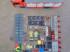 Zo ziet de inhoud van een brandweerwagen in Nieuwegein eruit. Hoeveel items tel jij?