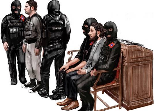 Salah Abdeslam, tweede van rechts, en Sofiane Ayari, tweede van links, waren vandaag niet bij de uitspraak aanwezig.