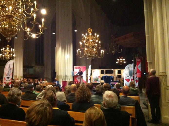 De aftrap van 024 Geschiedenis in de Stevenskerk in Nijmegen.