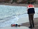 De verdronken Aylan Kurdi werd het gezicht van de vluchtelingenproblematiek waarmee het Westen te maken kreeg.
