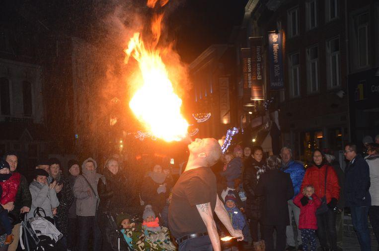 Vorig jaar was er al een vuuract, dit jaar is er een vuurparade.