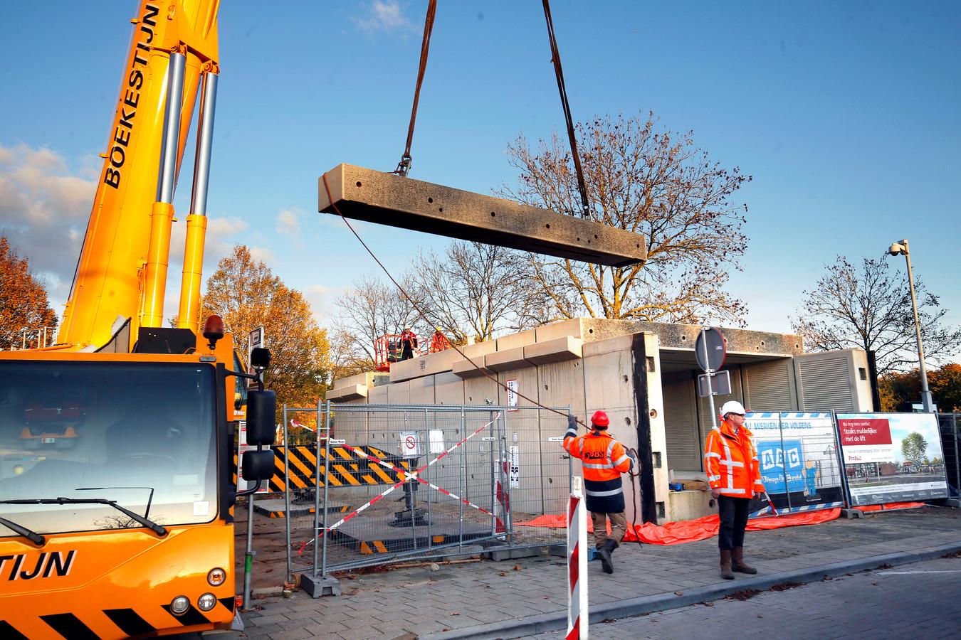 Eind oktober vorig jaar zette Ballast Nedam de reizigerstunnel bij station Gorinchem bovengrond in elkaar.