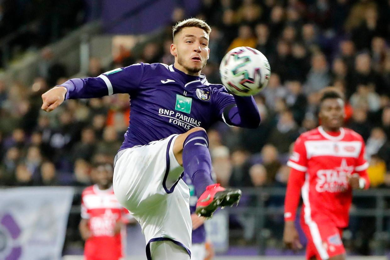 Antoine Colassin schenkt Anderlecht de drie punten tegen Moeskroen. Beeld Photo News