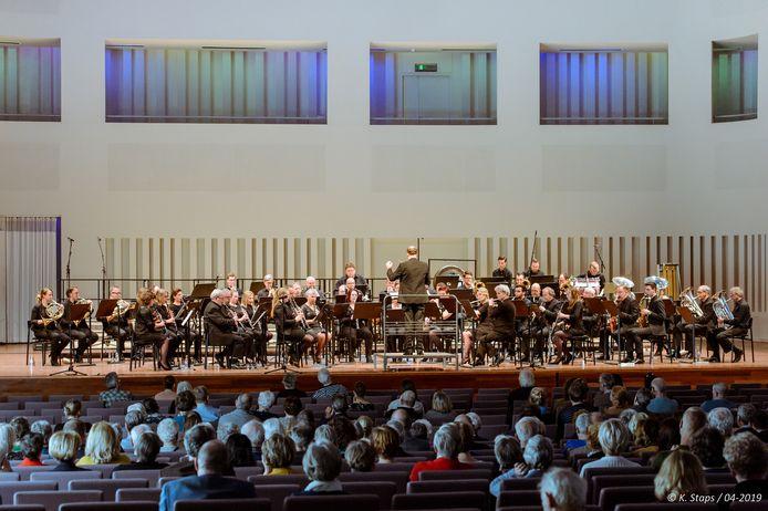 Orkest Orventus brengt 'avontuurlijke blaasmuziek met transparante klanken'.