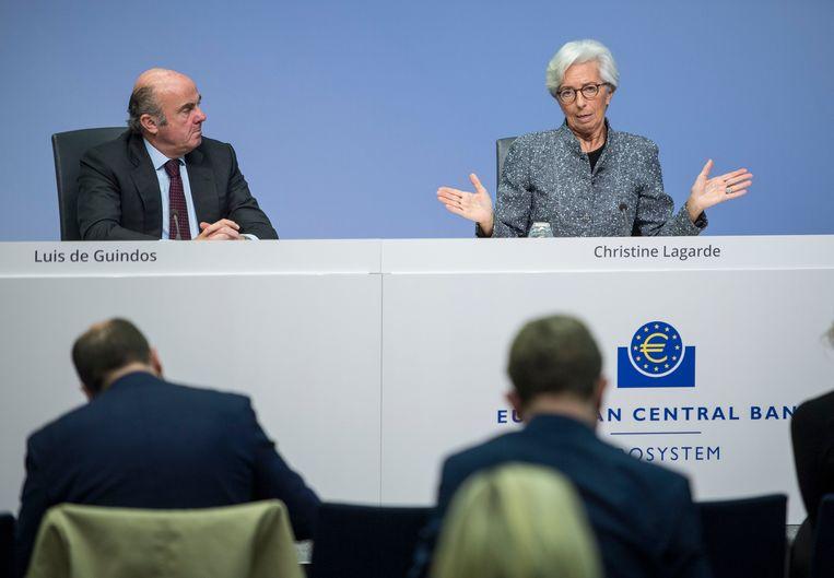 Christine Lagarde (r), voorzitter van de Europese Centrale Bank (ECB), slaagde er niet in om de financiële markten te kalmeren Beeld Getty Images