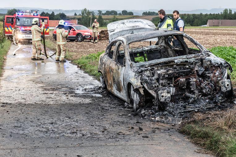 Wortegem-Petegem auto uitgebrand