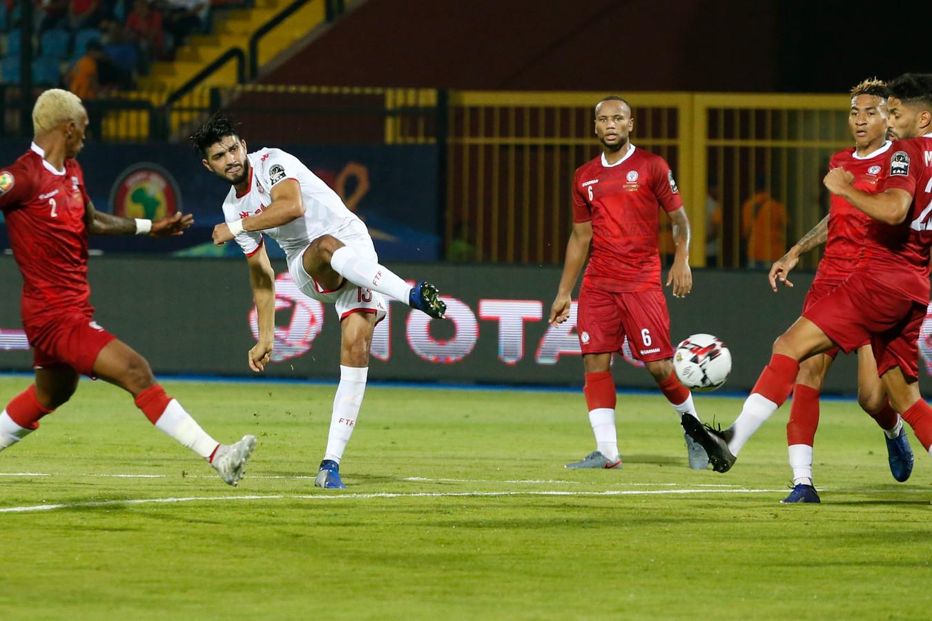 Ferjani Sassi opent de score tegen Madagaskar.