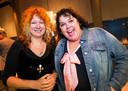 Rachèl van Olm met AD-columniste Carrie Jansen.