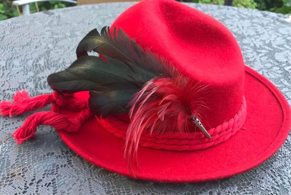 Rood hoedje van de tante van Astrid Boot Hooijberg
