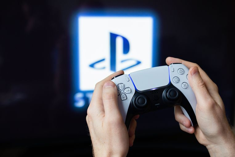 De Playstation 5 is moeilijk vast te krijgen, terwijl de vraag enorm groot is. Beeld Photo News