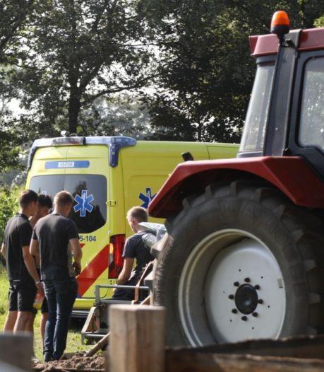 Motorcrosser met spoed naar ziekenhuis na ongeluk op crossbaan in Holten
