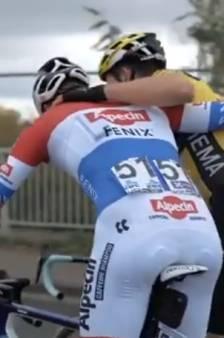 Rivalen Van der Poel en Van Aert omhelsden elkaar na de finish: 'Ik denk dat jij wint'