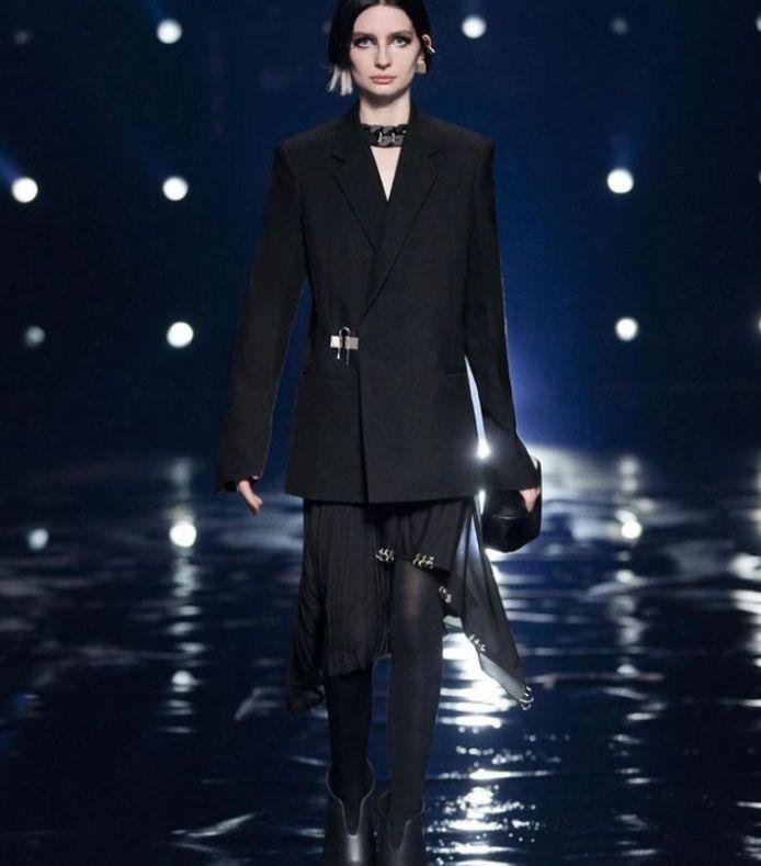 Meadow Walker, la fille de Paul Walker, a fait l'ouverture du défilé Givenchy.