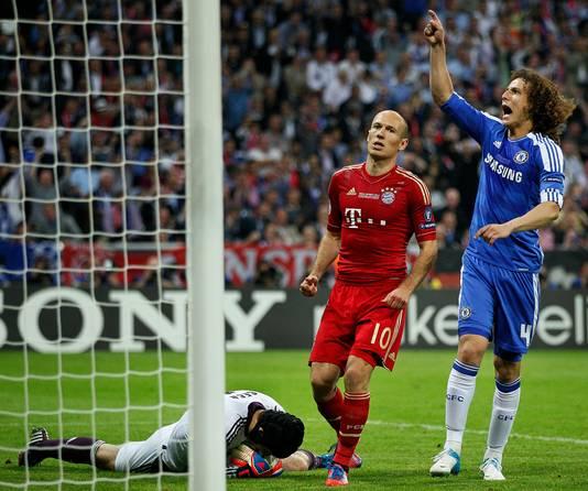 Arjen Robben mist de penalty in de Champions League-finale tegen Chelsea.