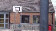 Groen in plaats van asbest op het dak van basisschool GOM en bib