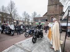 Pastoor Asten gaat motoren zegenen, welzijn van dieren in Laarbeek niet in orde, Woning boven eethuis Deurne gesloten