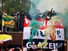 Oud-spelers Manchester United begrijpen boze fans en halen uit naar eigenaar Glazer: 'Nu walgen we van ze'