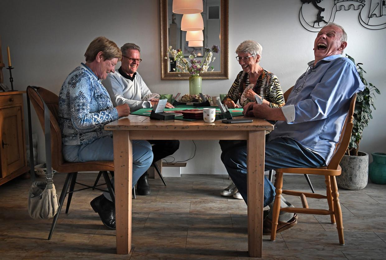 Vlnr: Anita en Theo Balvers, Wil en Ed Vermeulen  Beeld Marcel van den Bergh / de Volkskrant