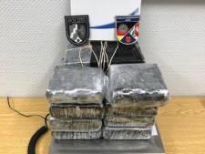 Nederlandse drugskoerier (73) vast in Duitsland, verstuurde voor ruim half miljoen euro aan narcotica
