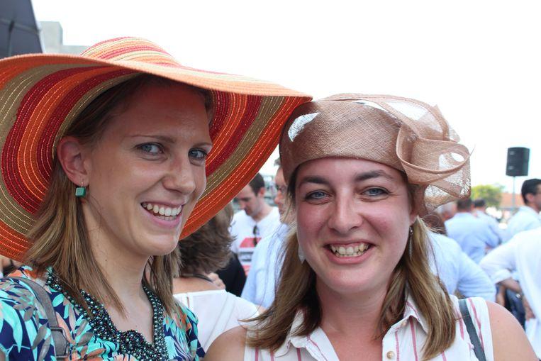 Schoonzussen Tine Roman uit Oosterzele en Ellen Meurez uit Desselgem kwamen ook voor het eerst naar Waregem Koerse.
