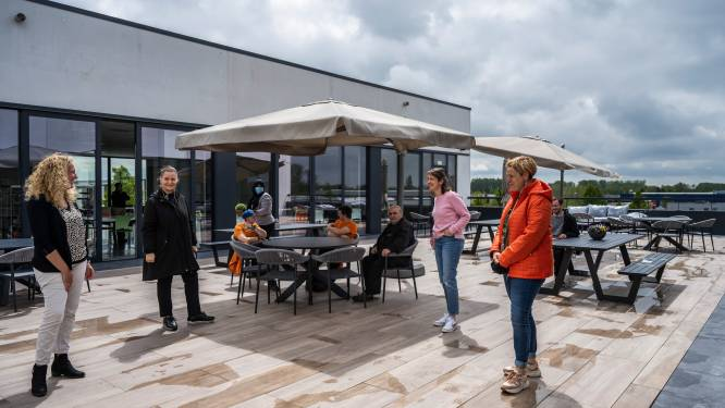 Maatwerkbedrijf Spoor2 opent nu ook terras op dak van gebouw