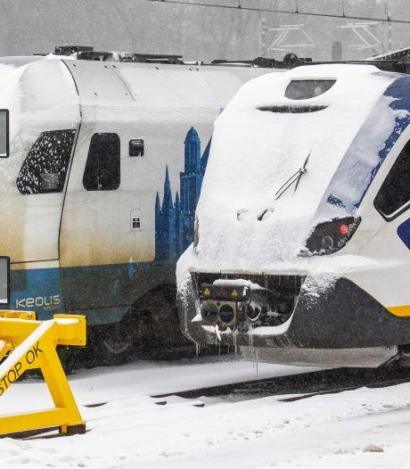 Keolisbussen later van stal door winterweer, intercity Zwolle - Enschede rijdt niet