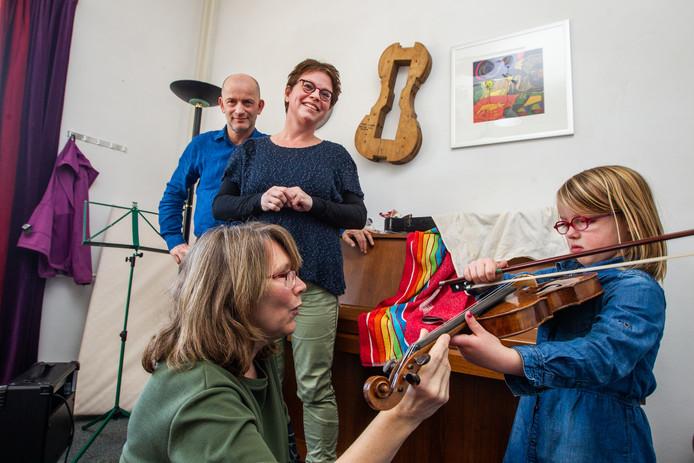 Het Muziekhuis, een plek in Deventer voor muzieklessen voor docenten en leerlingen, sluit de deuren in juli.