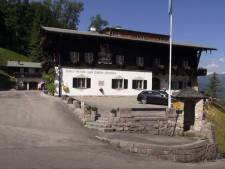Voormalig Hitler-hotel met ondergronds bunkercomplex verkocht
