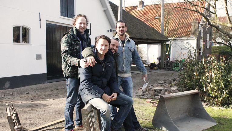 Van links naar rechts: Pim Evers, Thomas Anderiesen, Matan Schabracq en Tamir Schrabracq. Beeld Mrs. Mokum / Sanne Hendriks