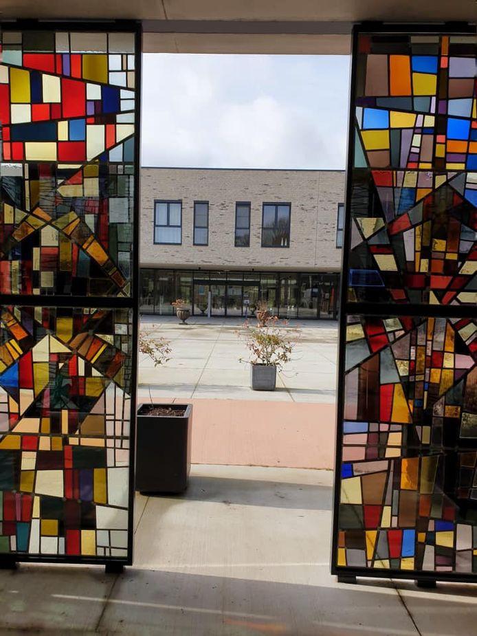 De glasramen kregen een plekje voor het nieuwe woonzorgcentrum.