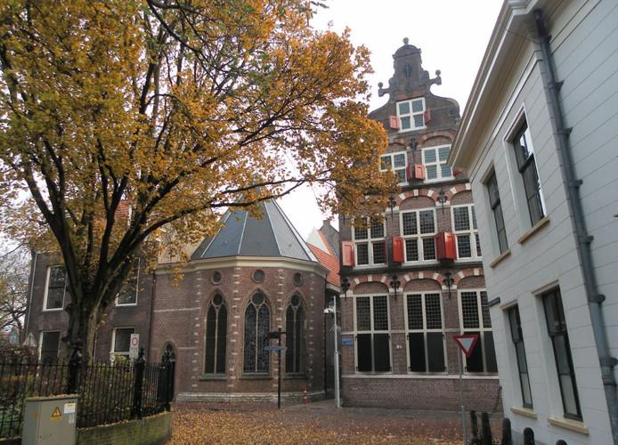 Het voormalige weeshuis aan de Spieringstraat in Gouda.
