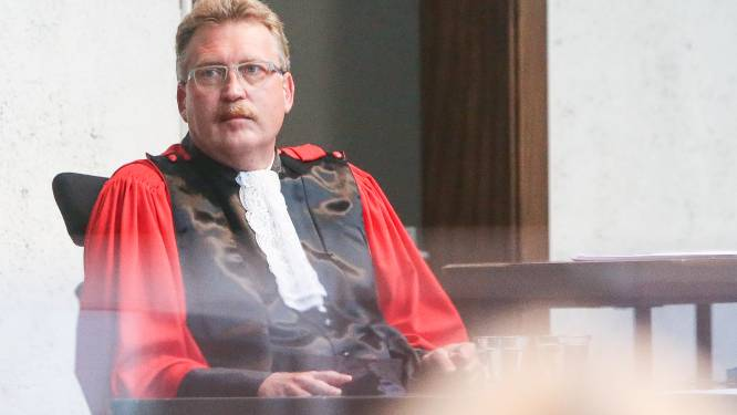 """ASSISEN. """"Will Deweert was net zo dronken als Jonckheeres vader indertijd"""": openbaar aanklager ziet maar één trigger voor dodelijke messteek"""