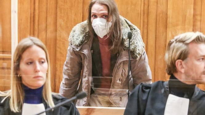 """Alinda Van der Cruysen moet drie decennia na de feiten 15 jaar de cel in voor moord op twee bejaarde familieleden: """"Ik vrees dat zij er fysiek niet klaar voor is"""""""